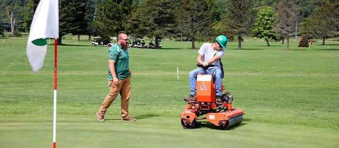 what kind of mower is used for golf greens